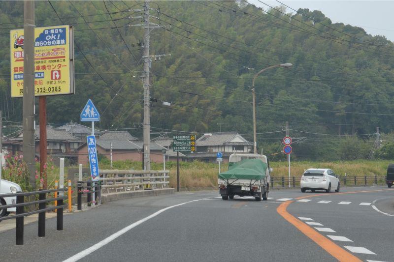 糸島市加茂ゆらりんこ橋方面へ左折