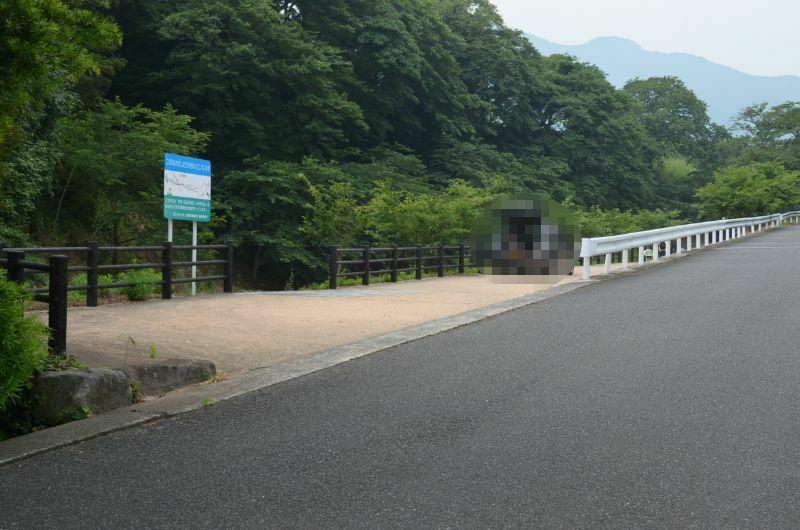 加茂川川遊び駐車場