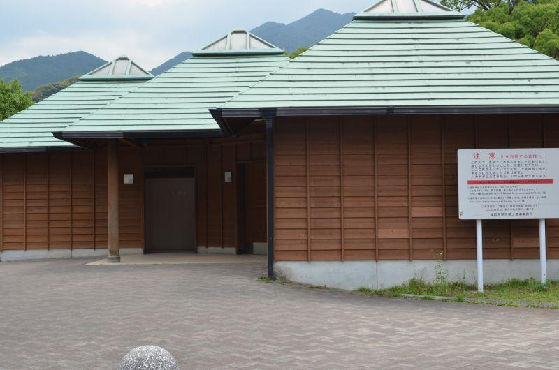 中ノ島公園のトイレ