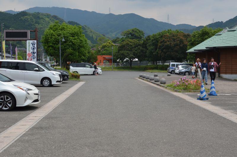 中ノ島公園の市ノ瀬パーキングは比較的多い