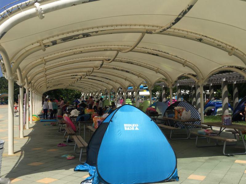 流水プール横テント設置場所