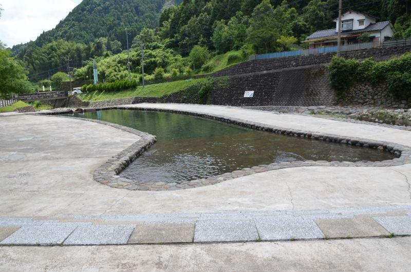 棚田親水公園の浅いプール