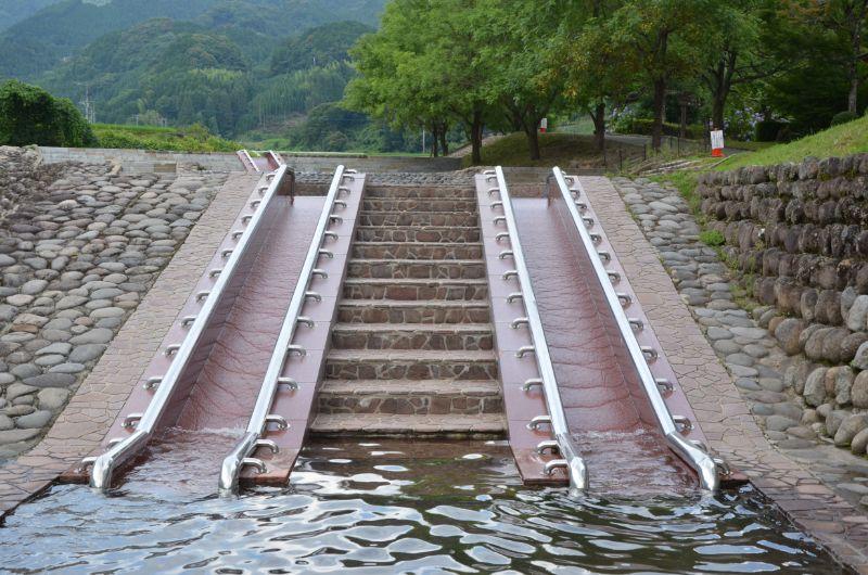 棚田親水公園のロング滑り台