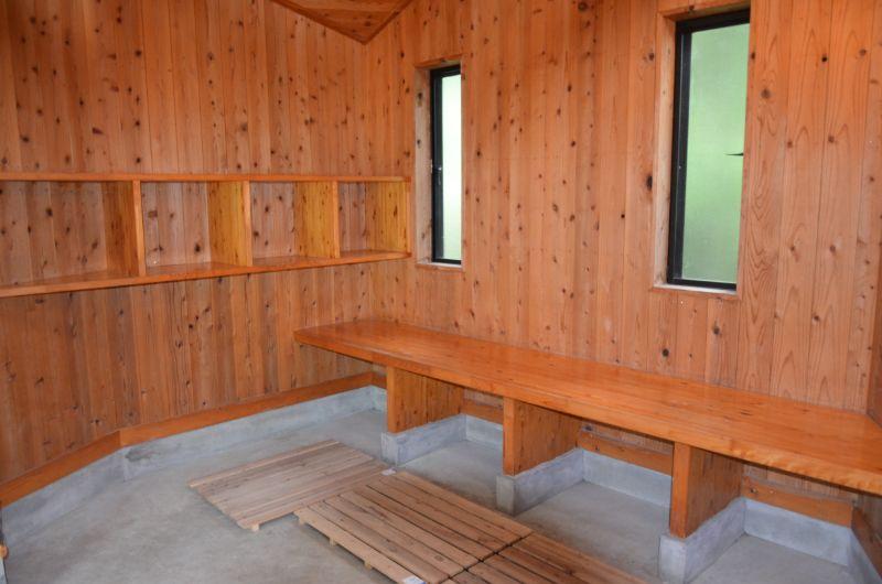 棚田親水公園河川プールの更衣室