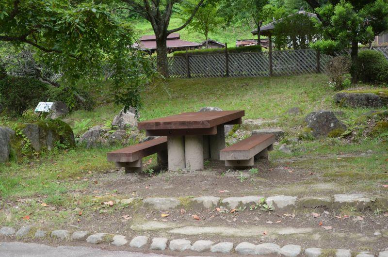 棚田親水公園のベンチ