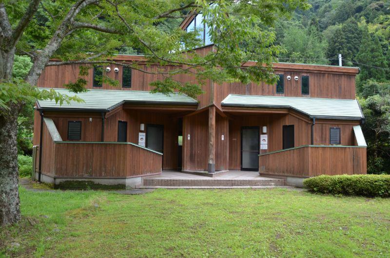 棚田親水公園の更衣室とトイレ