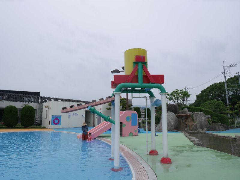 太宰府市民プールのバケツシャワー
