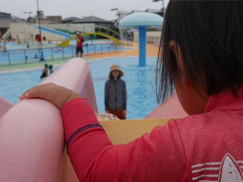 太宰府市民プールの滑り台はスピードが出る