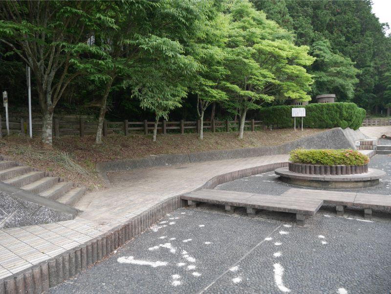 仲島水辺公園の河川プールは7月下旬から8月末まで