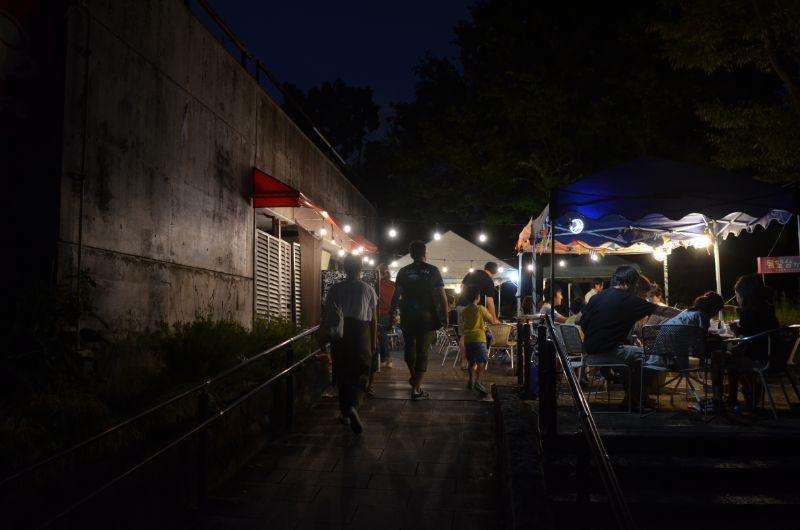 福岡市夜の動植物園のバーベキュー
