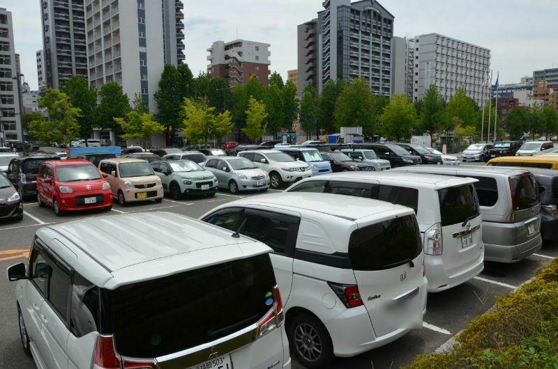福岡サンパレス駐車場