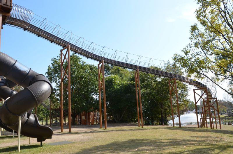 吉野ヶ里歴史公園のロングローラーすべり台