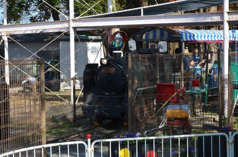 神野公園こども遊園地の汽車