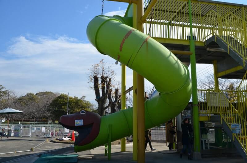 神野公園こども遊園地のすべり台